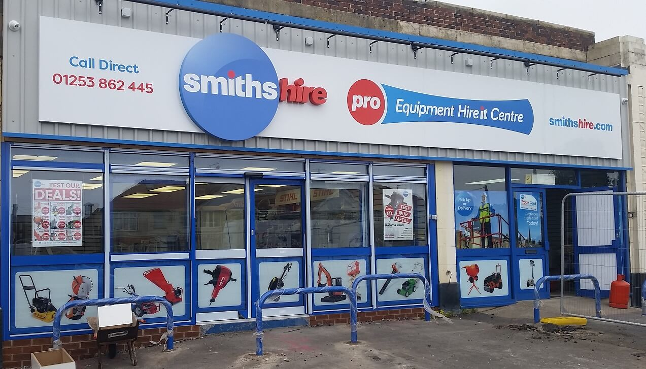 Smiths Hire Dt Granthams Signs Amp Graphics